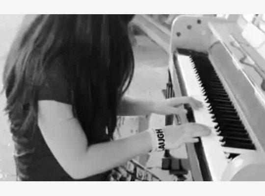 Selena Piano